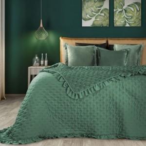 Zelený přehoz na postel v klasickém stylu