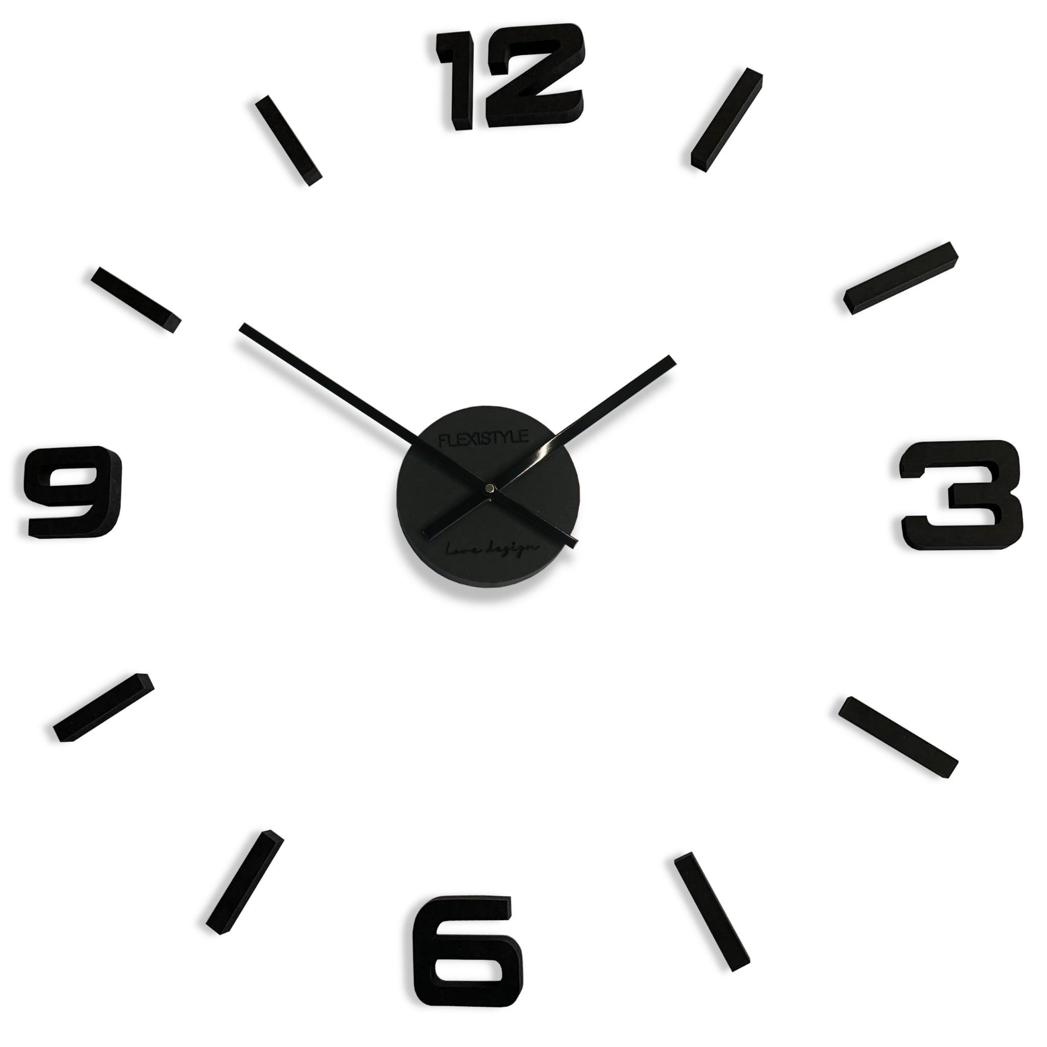 Černé hodiny na stěnu ze dřeva