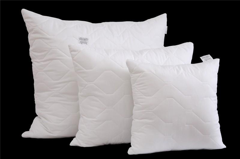 Bílý polštář prošívaný a třívrstvý rozměr 40x40 cm