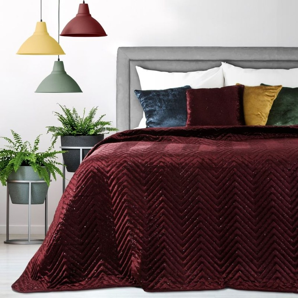 Luxusní přehoz na postel v bordó barvě