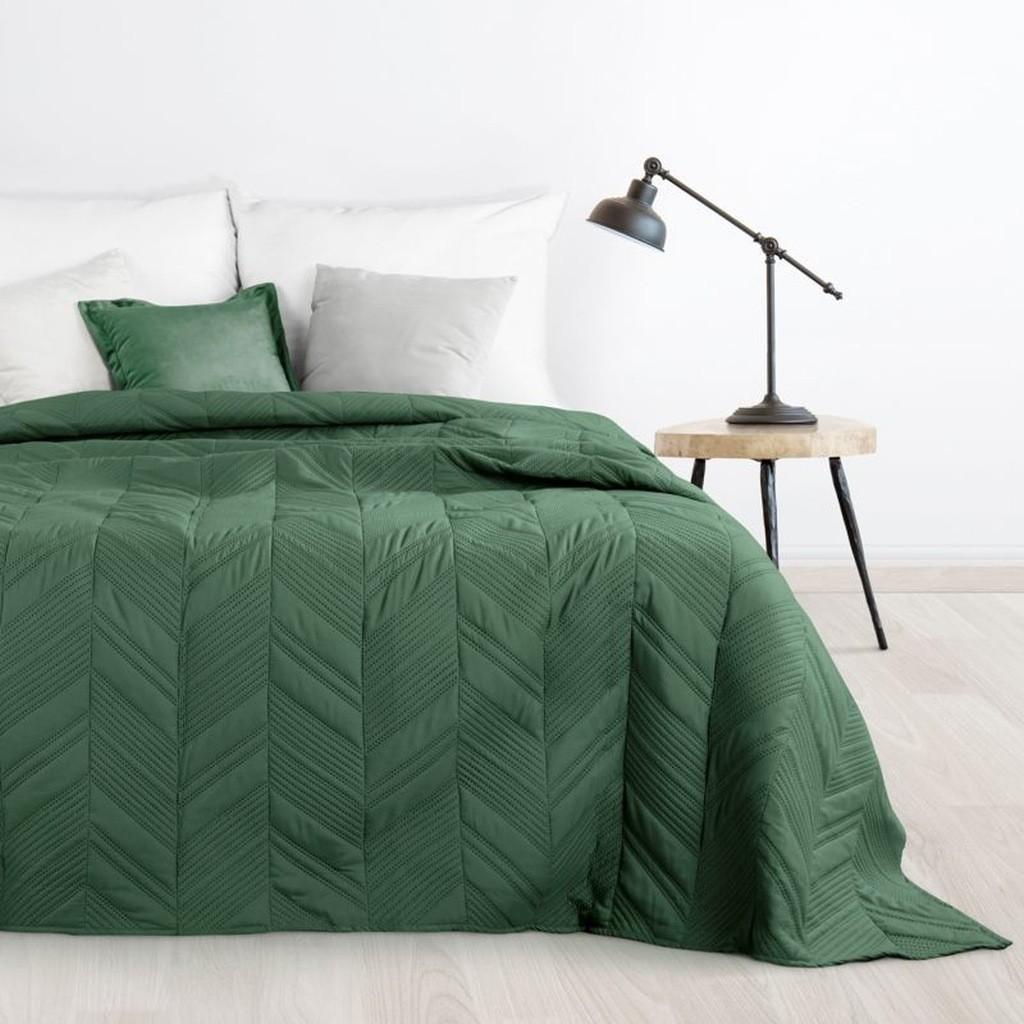 Elegantní přehoz do ložnice v zelené barvě
