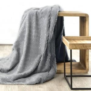Jednobarevná luxusní deka v šedé barvě