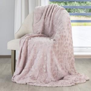 Dekorační deka v růžové barvě