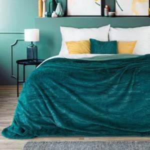 Jednobarevný přehoz na postel v tyrkysové barvě