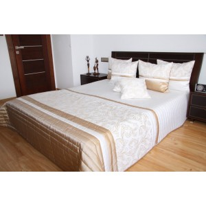 Přehoz na postel bílo béžové barvy s ornamenty