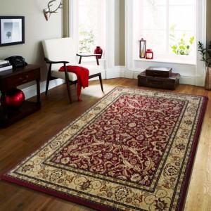 Kvalitní koberec v červené barvě ve vintage stylu