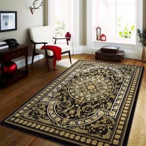 Kvalitní černý koberec ve vintage stylu