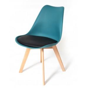 Skandinávské židle v tyrkysové barvě