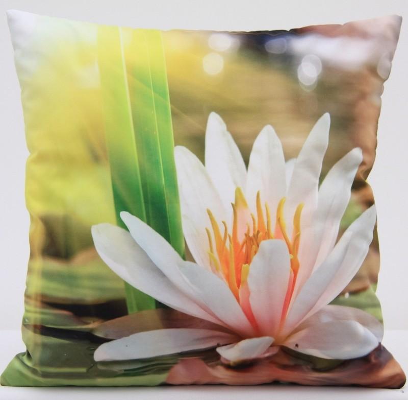 Luxusní povlak na polštář s motivem bílého květu