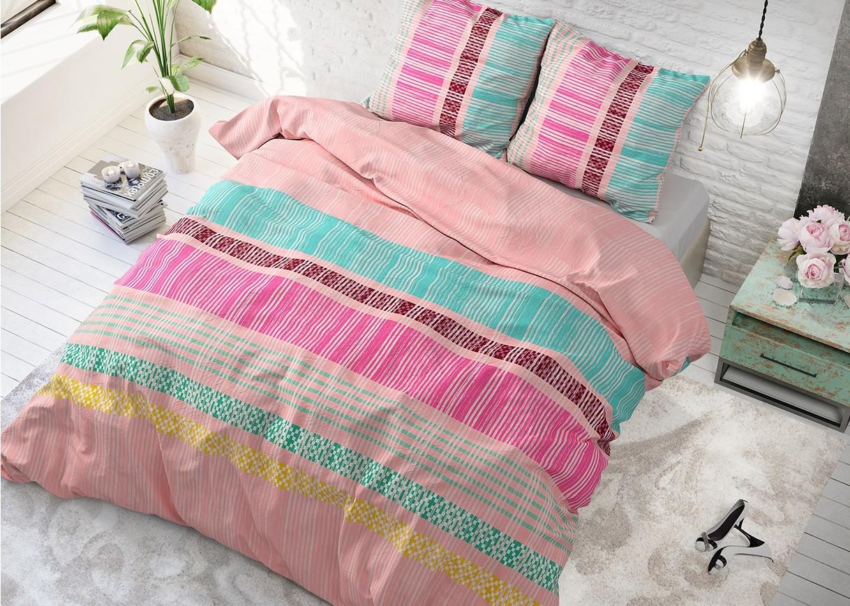 Růžové povlečení s barevnými pruhy ACHIE PINK 160 x 200 cm