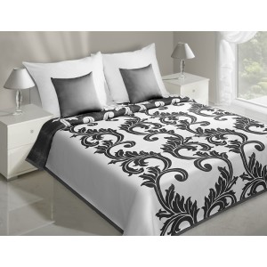 Přehozy na postel s černými květinovými ornamenty na bílém podkladu