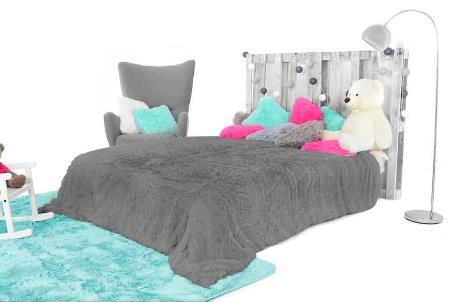 Příjemná chlupatá deka v šedé barvě 150 x 200 cm