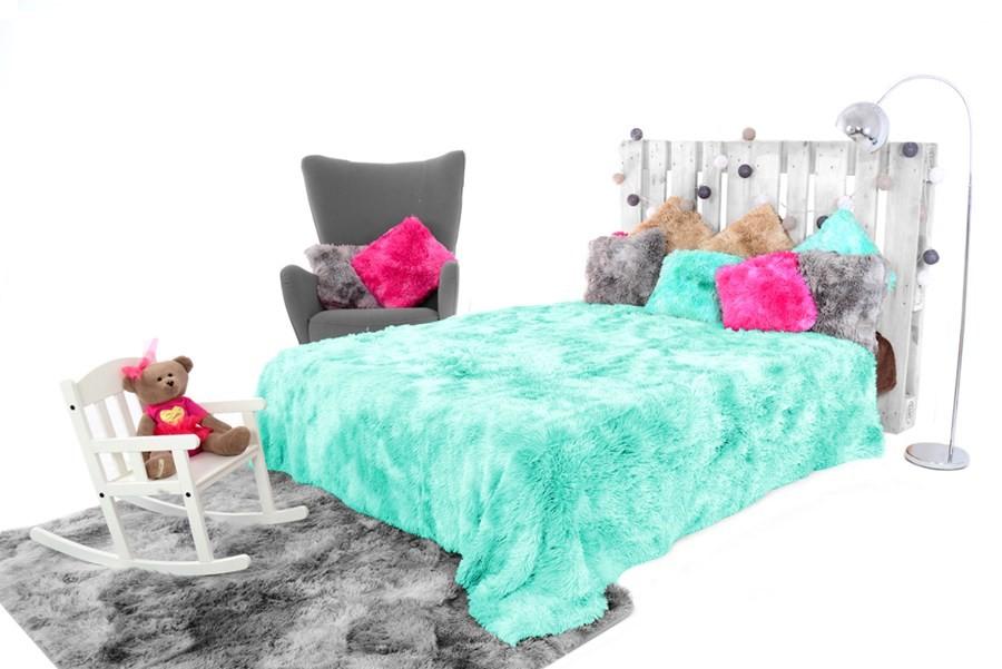 Tyrkysové OMBRE chlupaté deky na postel 150 x 200 cm
