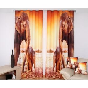 Hnědo-oranžový dvoudílný závěs na okno se slony