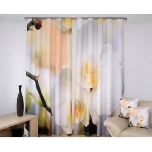 Závěs do obýváku béžové barvy s bílými orchidejemi