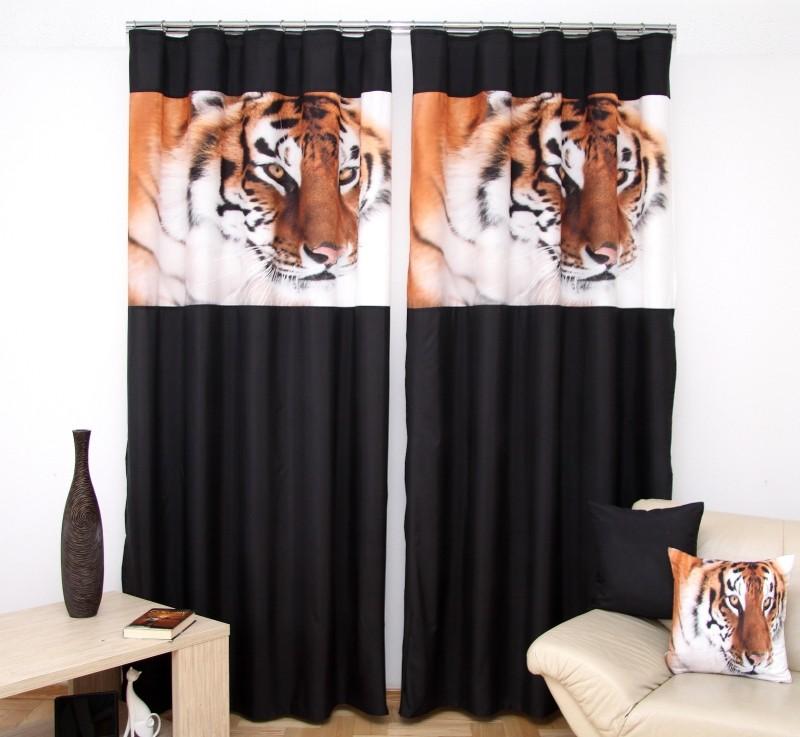 Černý dvoudílný závěs do pokoje s tygrem