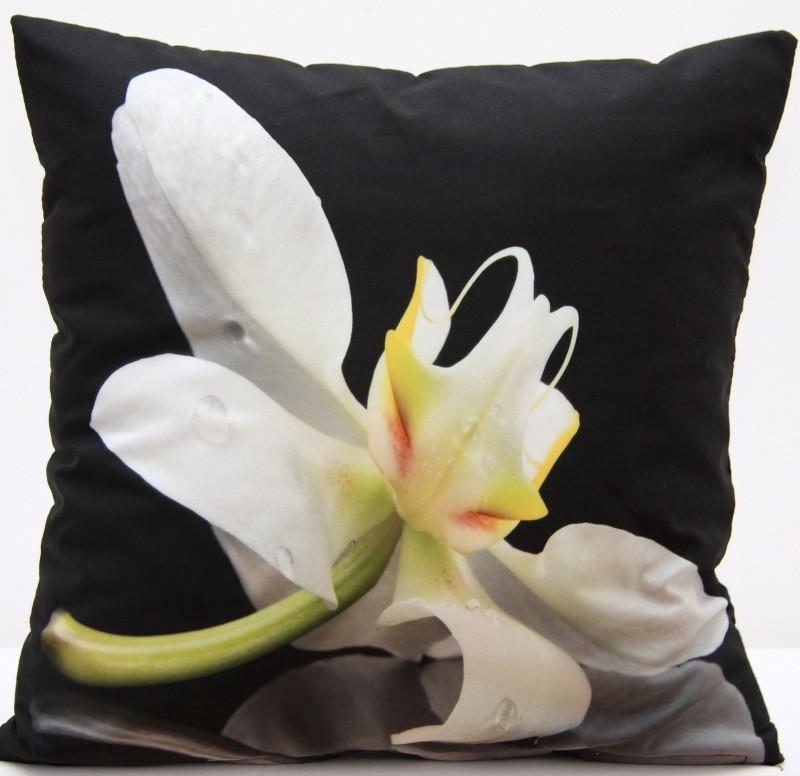 Kvalitní povlak na polštář s motivem bílého květu