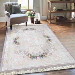 Elegantní béžový koberec s třásněmi