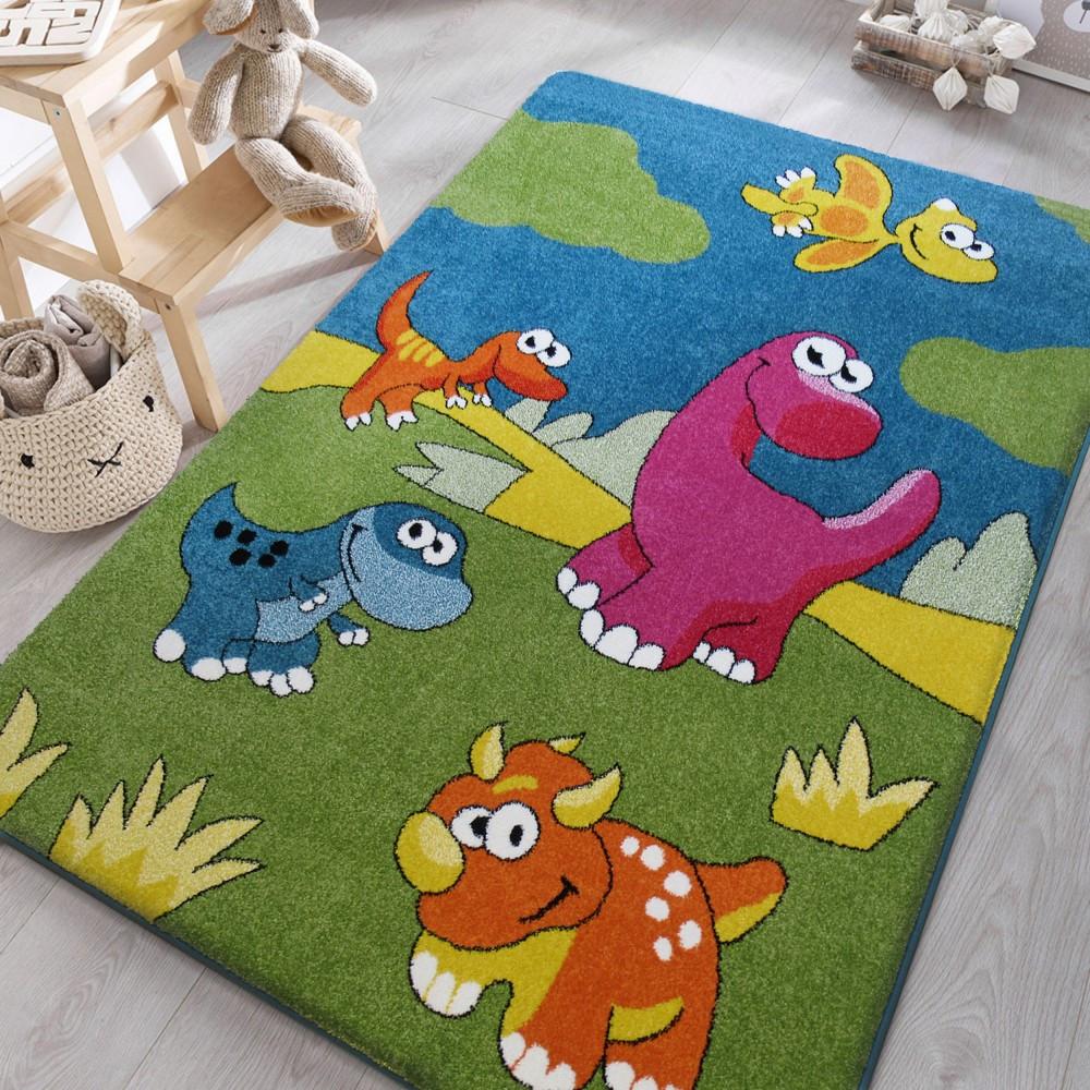 Veselý dětský koberec s dinosaury
