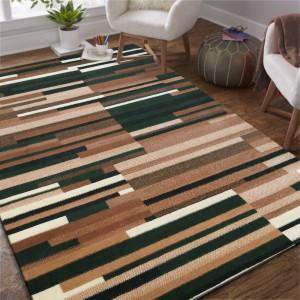 Zeleno hnědý pruhovaný koberec