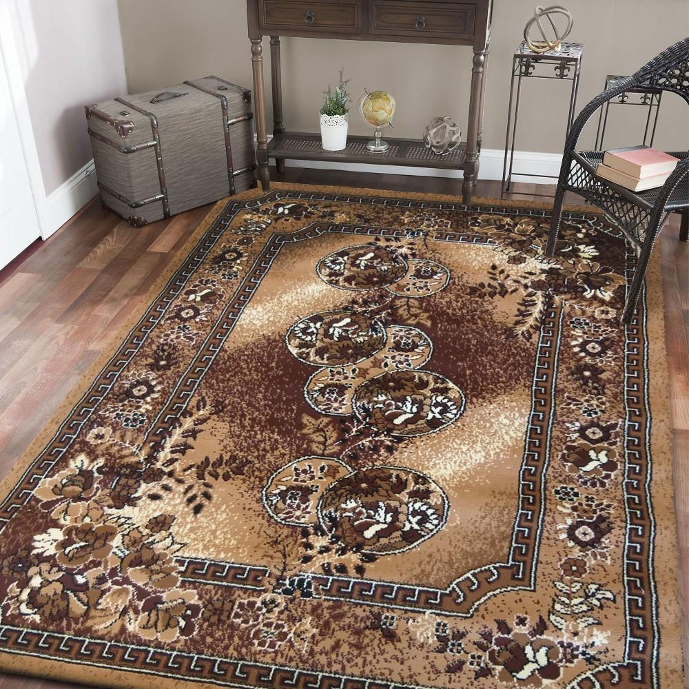 Hnědý koberec do obýváku ve vintage stylu