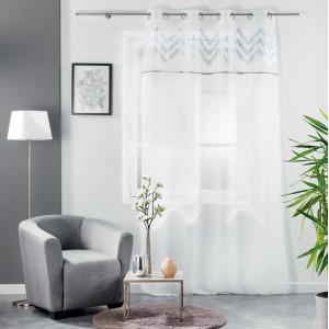 Jemná elegantní záclona se stříbrným vzorem 140 x 240 cm