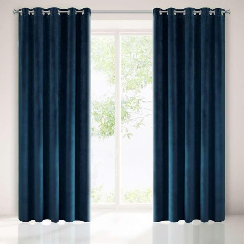 Tmavě modrý závěs v luxusním designu 140 x 250 cm