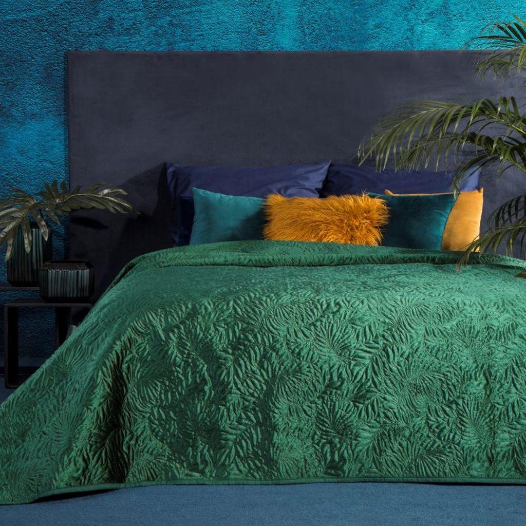 Stylový přehoz na postel s potiskem v zelené barvě