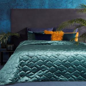 Luxusní světle modrý přehoz na manželskou postel