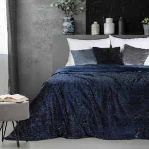 Luxusní modrý přehoz na postel nebo gauč