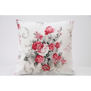 Vintage bílý dekorační povlak na polštáře s kyticí květů v červené barvě