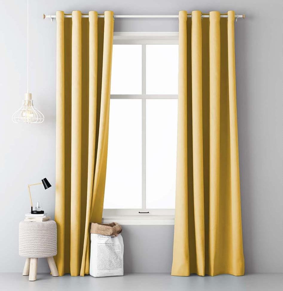 Žluté zavěsy s rozměrem 140 x 250 cm