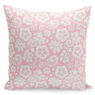 Krásný růžový povlak s nápisy na sobě