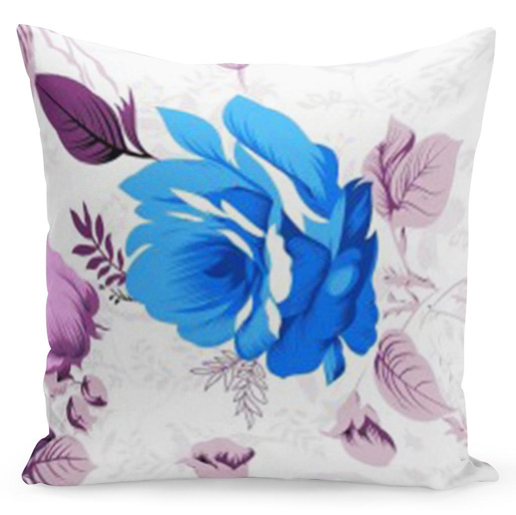 Bílý povlak s krásným modrým květem uprostřed