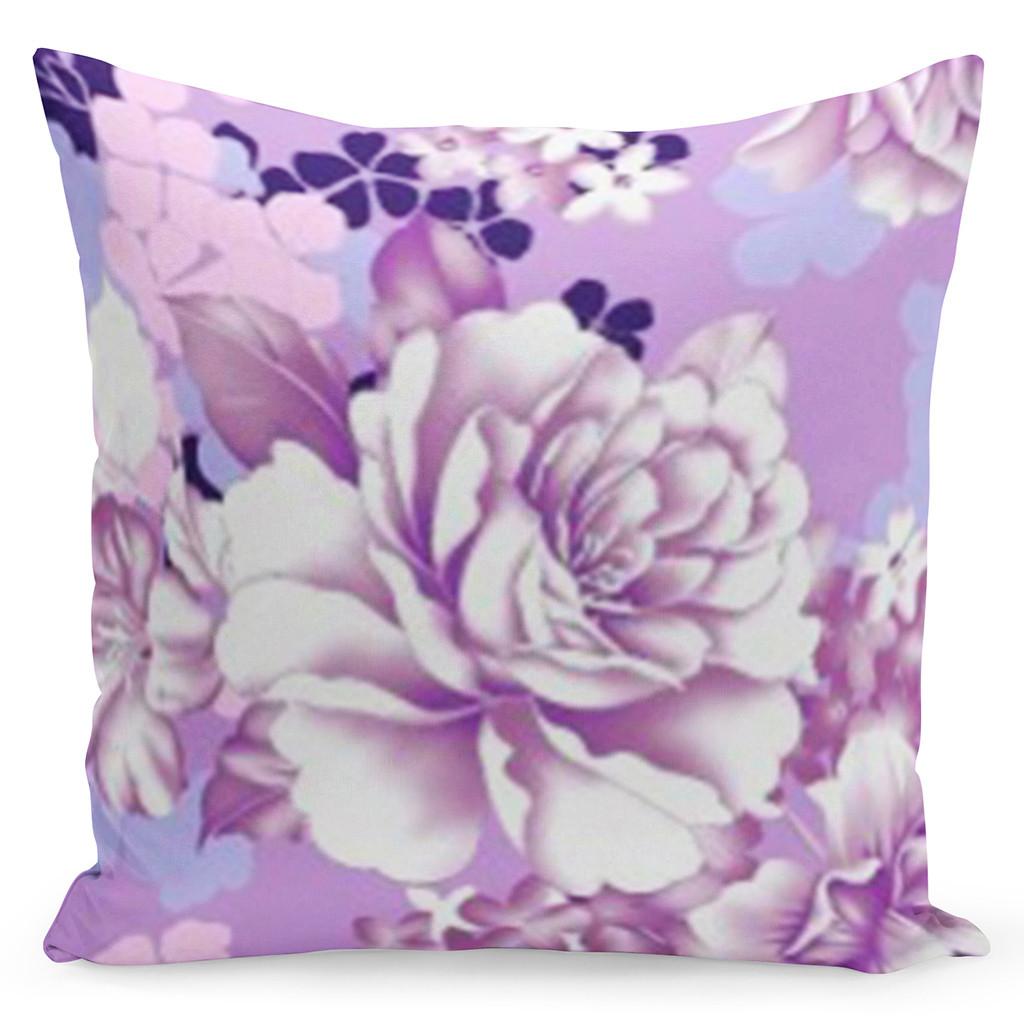 Fialový povlak s krásným bílým květem uprostřed
