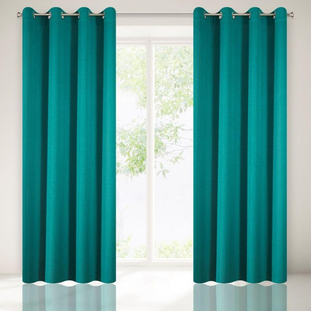Krásne jednofarebné závesy do izby v tyrkysovej farbe