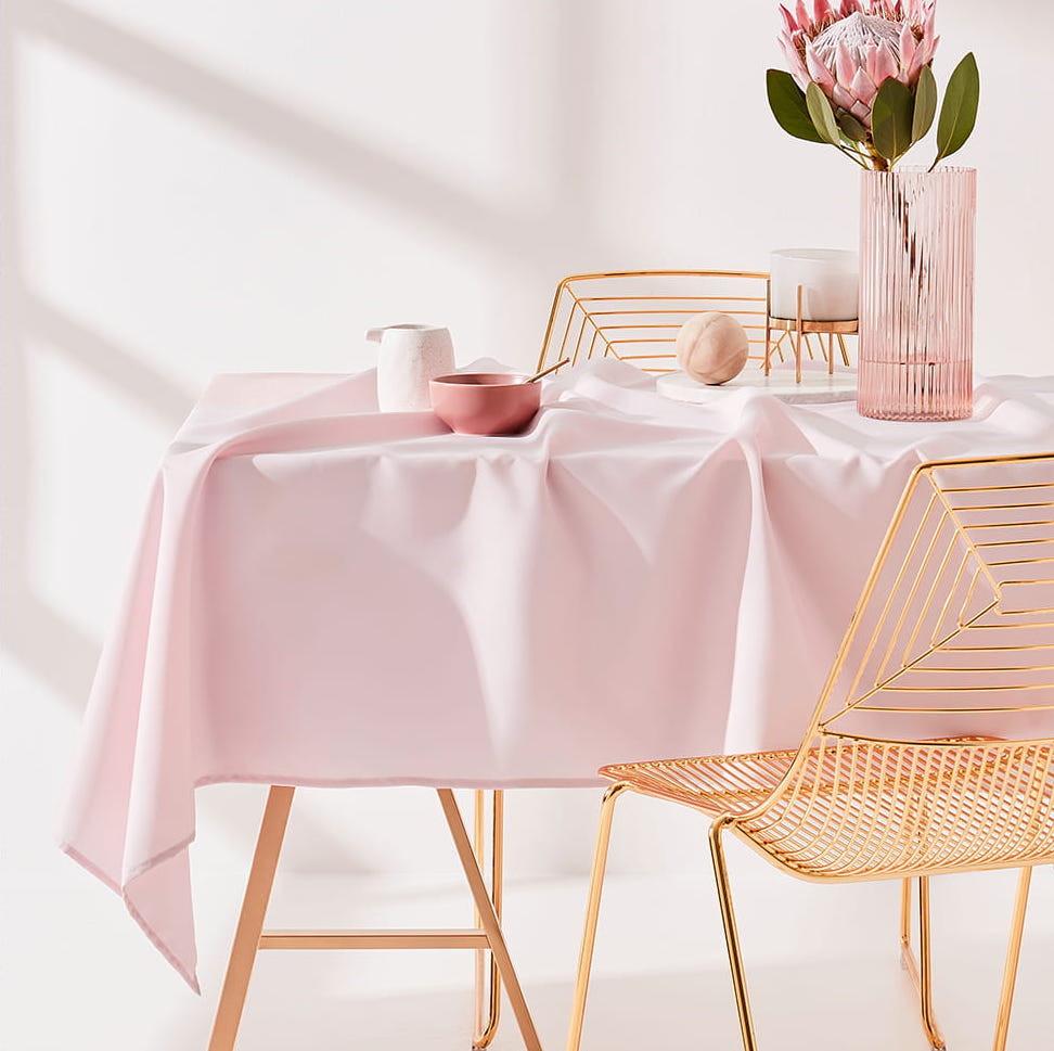 Ubrus na stůl v růžové barvě 140 x 200 cm
