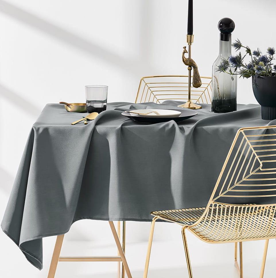 Ubrus na stůl v šedé barvě bez motivu 140 x 260 cm
