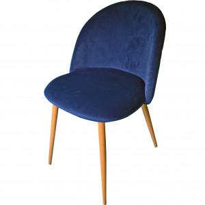 Pohodlné modré křeslo v moderním skandinávském stylu