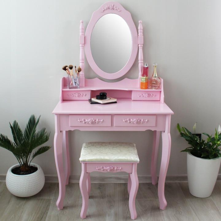 Moderní toaletní stolek se židlí v růžové barvě