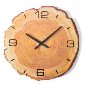 Dřevěné nástěnné hodiny s imitací kmene stromu