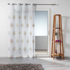 Bílá záclona na kruhy s módním vzorem 140 x 240 cm