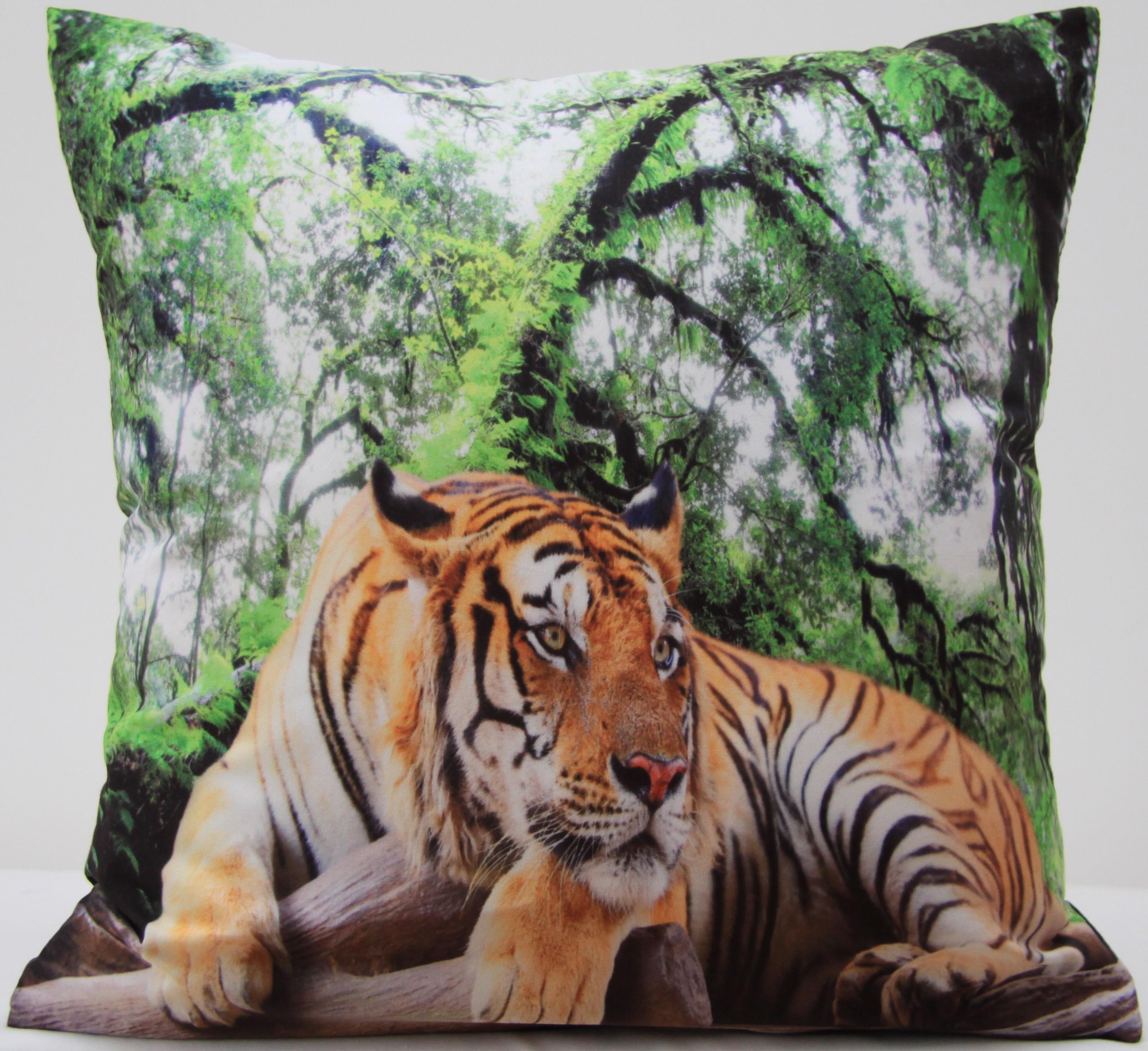 Zelené povlaky na polštáře s tygrem v lese