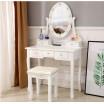 Luxusní bílý toaletní stolek s osvětlením a taburetkou