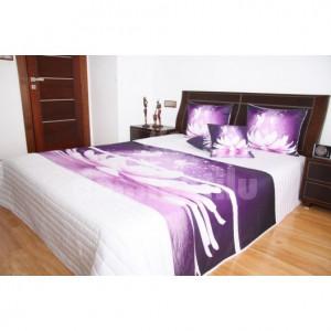 Přehoz na postel bílé barvy s motivem fialového květu