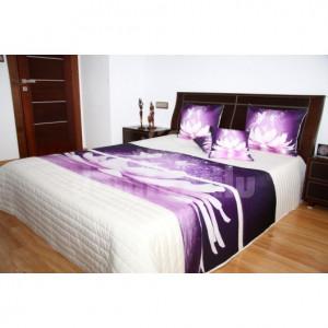 Přehoz na postel krémové barvy s motivem fialového květu