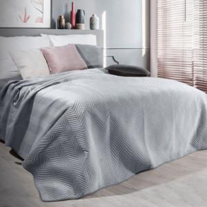 Stříbrný sametový přehoz na postel s prošíváním
