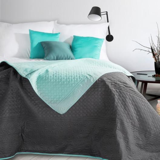 Prošívaný oboustranný přehoz na postel