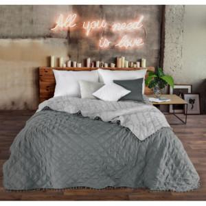 Šedý dekorační přehoz na postel v oboustranném provedení