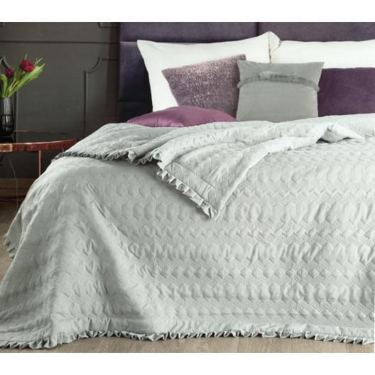 Šedý oboustranný přehoz na postel s prošíváním